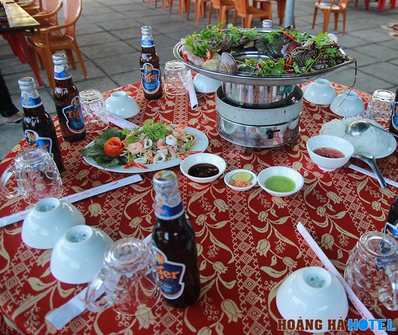 Hải sản tươi sống nhà hàng Năm Ánh - Phú Yên ăn là mê